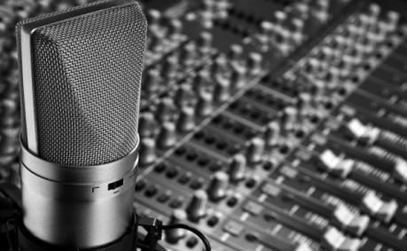 artistic-recording-studio-659941-600x371